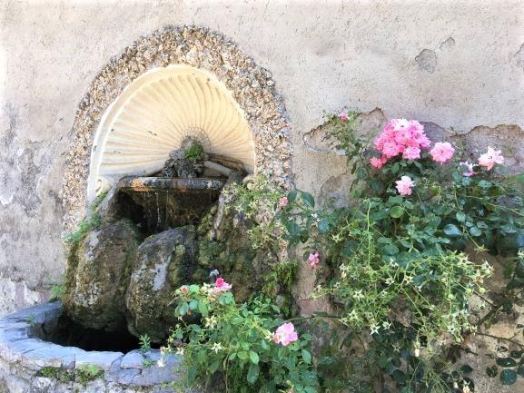 Celio un dettaglio di villa Celimontana una delle fontane