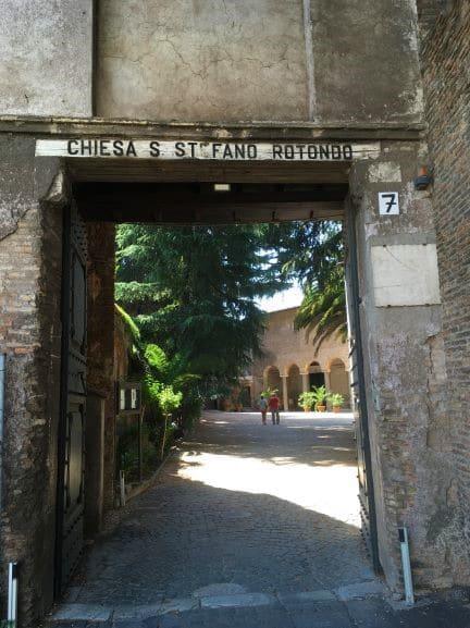 Celio Ingresso della Basilica di Santo Stefano Rotondo