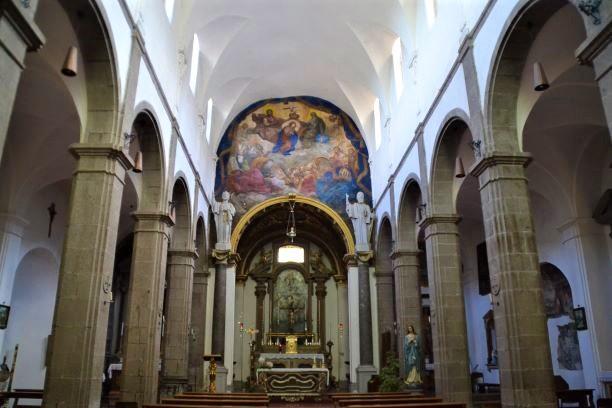 Bomarzo l'interno del Duomo