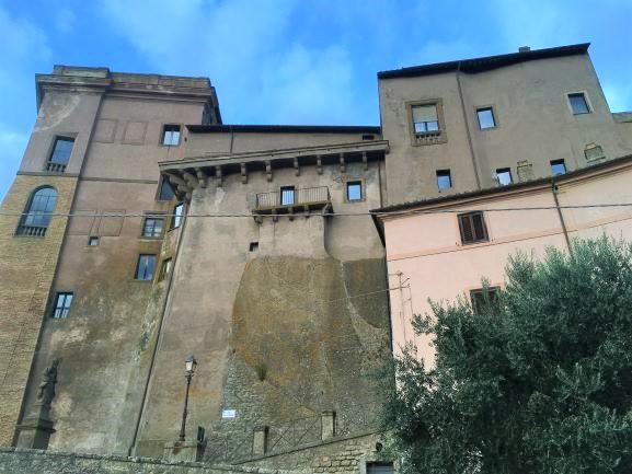 Bomarzo, un particolare della fortificazione