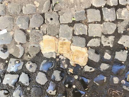 Il ghetto di Roma alcune pietre d'inciampo in via della Reginella