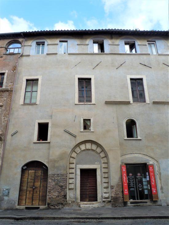Ghetto di Roma, casa dei Fabi al civico 13 di via del Portico d'Ottavia