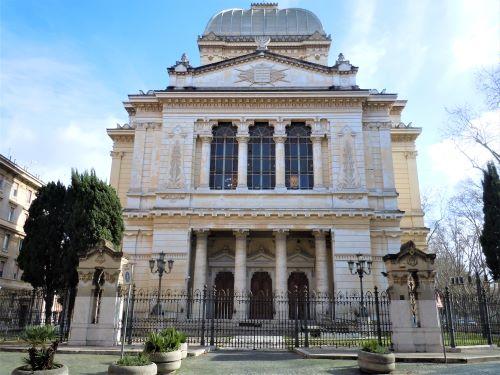 Ghetto di Roma, la Sinagoga su largo Gaj Tachè