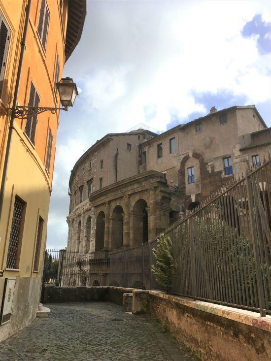 Ghetto di Roma, Teatro di Marcello