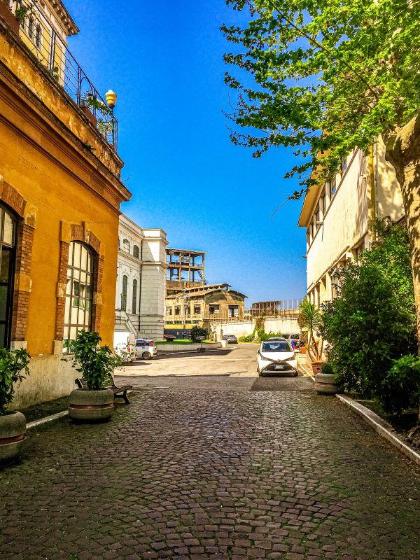 Quartiere Ostiense, ingresso Centrale Montemartini.