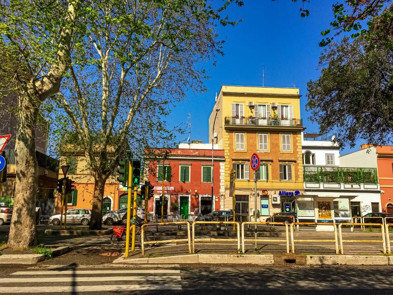 Quartiere Ostiense, alcune palazzine su via Ostiense