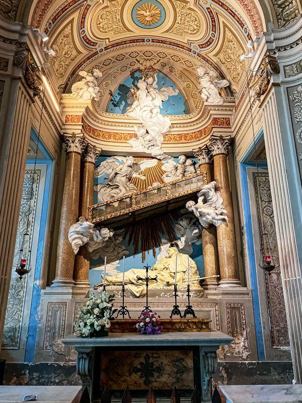 Esplorare l'Aventino particolare della cappella di Sant'Alessio nella Basilica dei Santi Bonifacio e Alessio