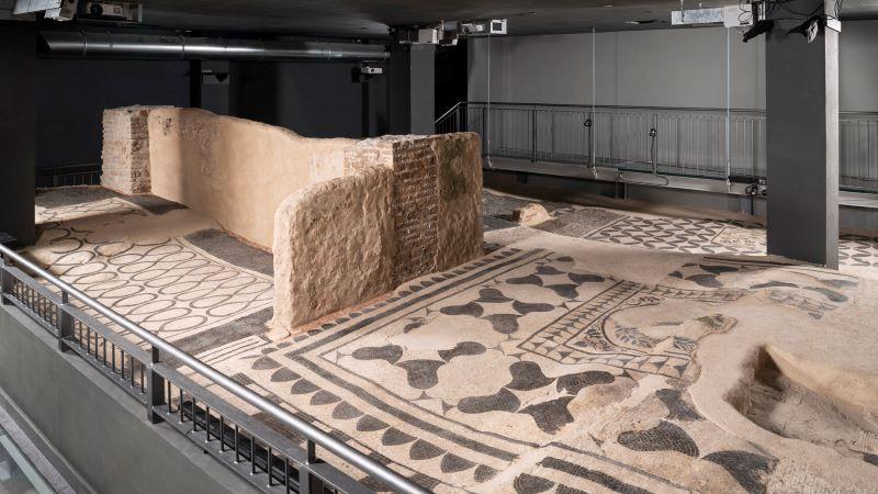 Esplorare l'Aventino la Scatola Archeologica in piazza Albania