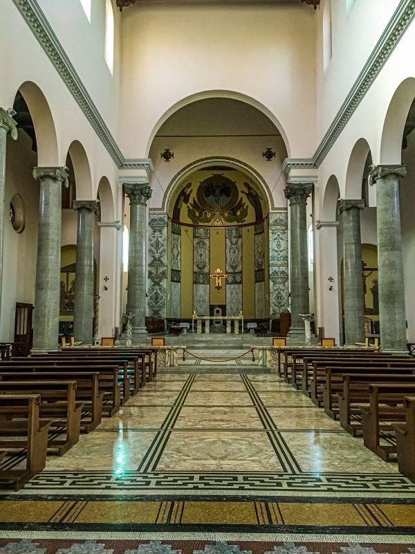 Esplorare l'Aventino interno di Sant'Anselmo