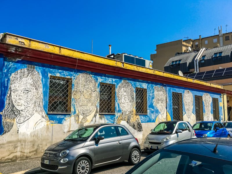 Murales di Ostiense Black & White Power di Sten Lex