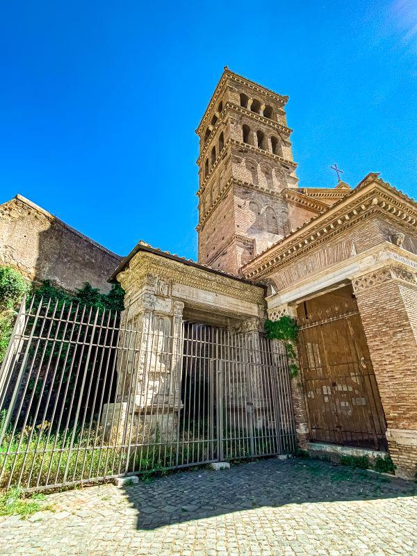 Velabro l'Arco degli Argentari e il campanile della chiesa di San Giorgio al Velabro