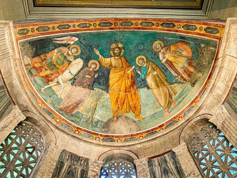 Velabro l'affresco di Pietro Cavallini all'interno della chiesa di San Giorgio al Velabro
