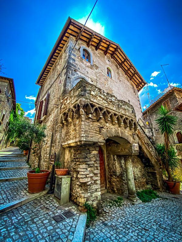 Tivoli la Casa Gotica in via Campitelli nel centro storico