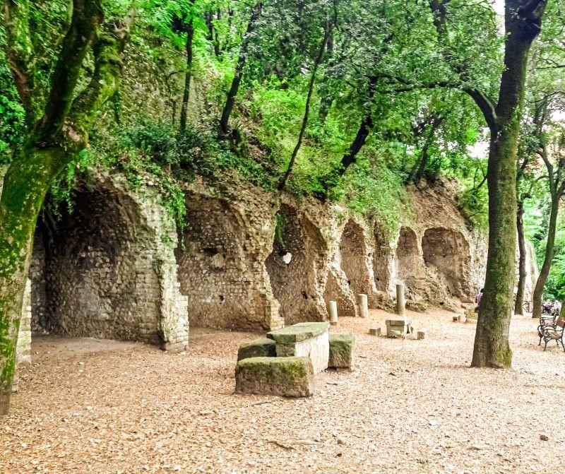 Tivoli i resti della villa di Manlio Vopisco a villa Gregoriana